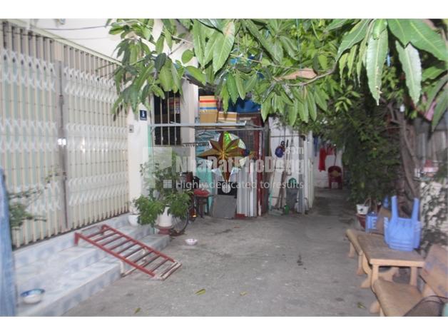 Bán nhà phố cấp 4 phường Thảo Điền Quận 2. | 1