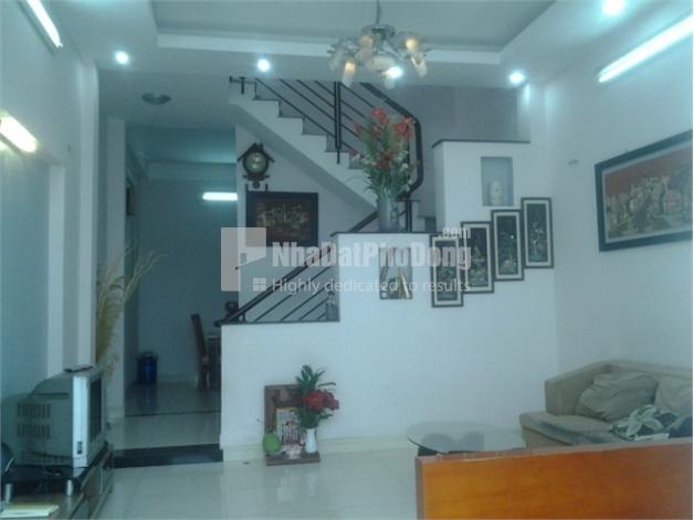Bán nhà phố hẻm rộng đường Nguyễn Duy Trinh Quận 2 | 1