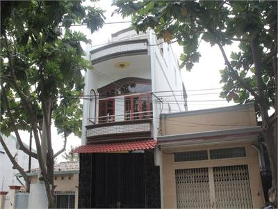 Bán nhà phố 1 trệt 1 lầu, 1 sân,1 thượng gần trường cao đẳng kỷ thuật công nghệ, phường Phước Bình.