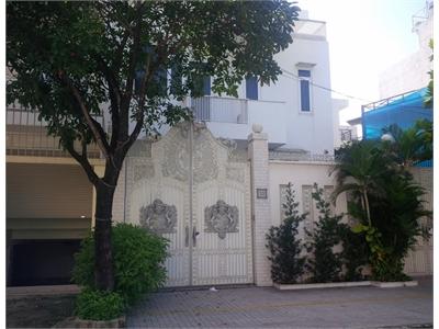 Bán biệt thự 170m2 1 trệt 2 lầu mặt tiền đường Nguyễn Quý Cảnh
