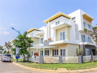Bán nhà phố Melosa Khang Điền 80m2 Hướng Đông Bắc sổ hồng nhà trống giao ngay