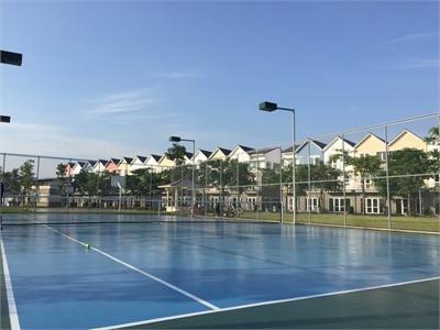 Chính chủ bán nhà phố Park Riverside đã hoàn thiện đối diện hồ bơi