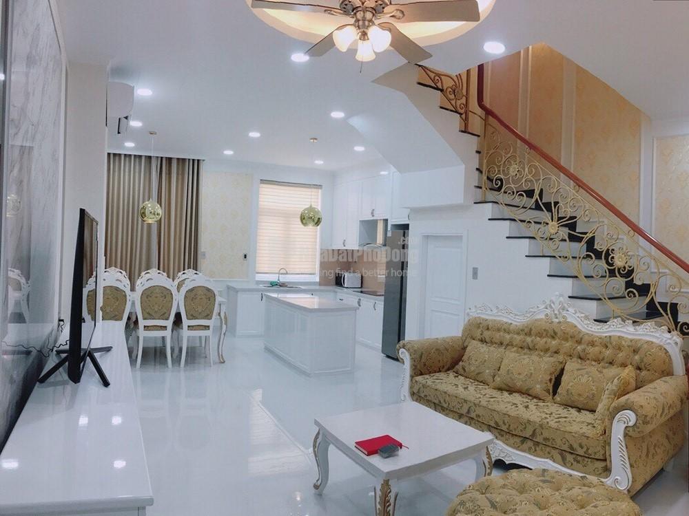 Cho thuê nhà phố Park Riverside Premium 153m2 hướng Đông Bắc mát mẻ nội thất cao cấp | 1