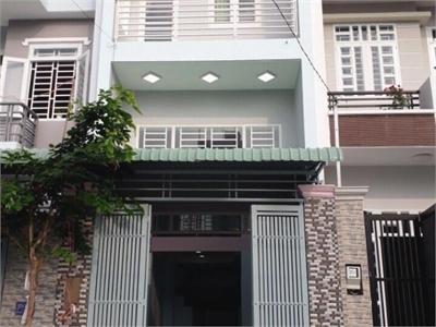Bán nhà 1 trệt 3 lầu 54m2 tại đường Võ Văn Hát nhà mới xây xong giá tốt