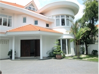 Luxurious villa for rent in Thao Dien District