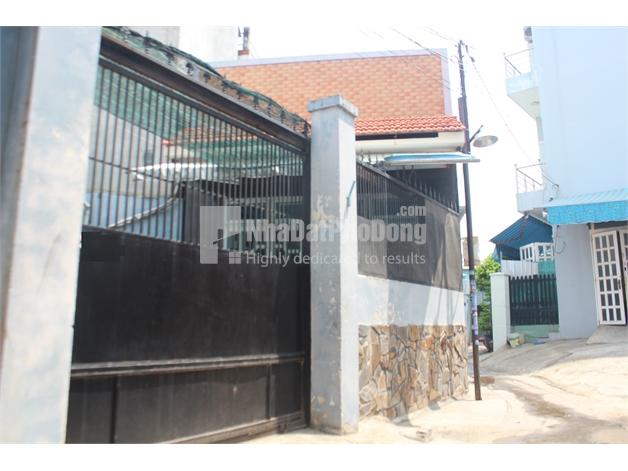 Bán nhà phố đường Đỗ Xuân Hợp, phường Phước Long B, Quận 9. | 1