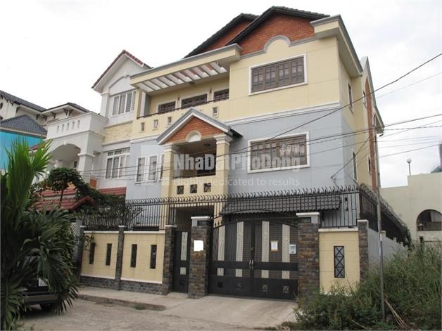 Bán nhà phố tại đường Quốc Hương Quận 2   1